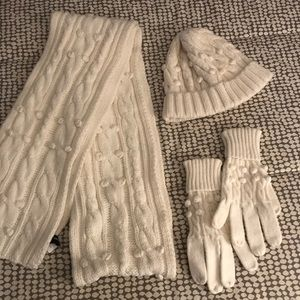 Gap Hat, gloves and scarf set